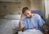 wzrost udarow mlodych ludzi faktydlazdrowia